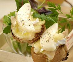 Tartines poire au brie Brie, C'est Bon, Dessert, Vegan Vegetarian, Four, Menu, Baguettes, Breakfast, Sweet