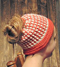 Messy Bun Hat #crochet #pattern by The Country Willow