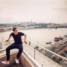 Martin in Budapest.......Jeje i love his shoes ❤