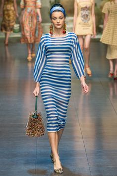 Dolce & Gabbana Spring 2013 Ready-to-Wear Fashion Show - Jessica Stam Look Fashion, Fashion News, Runway Fashion, Spring Fashion, High Fashion, Fashion Show, Fashion Design, Fashion Trends, Review Fashion