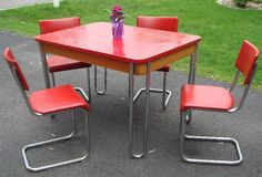 Minneapolis: Vintage table and chairs $200 - http://furnishlyst.com/listings/363806