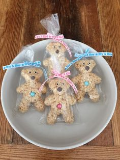 crispy treats Yummy, sweet and chewy Teddy Bear Rice Crispie Treats. These treats are a perfect favor for a birth announcement, baby shower, or baby gender reveal party - OR - send as a Baby Shower Oso, Baby Shower Snacks, Teddy Bear Baby Shower, Baby Girl Shower Themes, Baby Shower Cakes, Food For Baby Shower, Teddy Bear Party, Teddy Bear Birthday, Teddy Bear Cakes