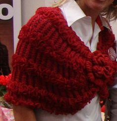 Pelerine vermelha de tricô - Receita e gráfico   Tricô + Crochê