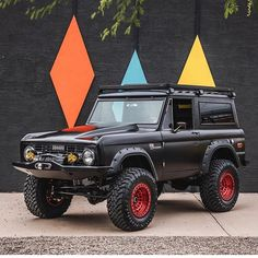 This things currently ripped into a million pieces waiting for its coyote transplant amongst other things. I cant wait to see it get dirty. Ford Bronco Concept, Old Ford Bronco, Early Bronco, Classic Bronco, Classic Ford Broncos, Classic Trucks, Chevrolet Trucks, Ford Trucks, 1957 Chevrolet