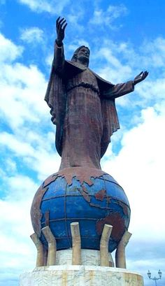 Cristo Rei of Dili. Christ the King of Dili. Its an 27 m (88.6 ft) high statue of Jesus located atop a globe in Dili, East Timor. Designed by Mochamad Syailillah. Unveiled as gift from the Indonesian government to the people of East Timor. The statue is situated at the Fatucama peninsula, facing out to the ocean and can be reached by climbing some 500 steps. It was intended as a present for the 20th anniversary of East Timor's integration into Indonesia. It was unveiled on 15 October 1996.
