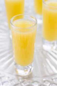 """Love mimosas but prefer to skip the alcohol? Make this non alcoholic mimosa with just two ingredients! Fresh orange juice makes this recipe a winner. Target Dixie Vanity Fair Napkins <a class=""""pintag searchlink"""" data-query=""""%23DrinkMakeWishBake"""" data-type=""""hashtag"""" href=""""/search/?q=%23DrinkMakeWishBake&rs=hashtag"""" rel=""""nofollow"""" title=""""#DrinkMakeWishBake search Pinterest"""">#DrinkMakeWishBake</a> <a class=""""pintag searchlink"""" data-query=""""%23ad"""" data-type=""""hashtag"""" href=""""/search/?q=%23ad&rs=hashtag"""" rel=""""nofollow"""" title=""""#ad search Pinterest"""">#ad</a>"""