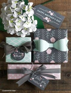 Add a little sweetness to your Mother& Day gifts with these printable gift tags and gift wrap in mint and blush. Wrapping Ideas, Present Wrapping, Creative Gift Wrapping, Creative Gifts, Baby Gift Wrapping, Wrapping Papers, Mother's Day Printables, Diy Gifts, Handmade Gifts