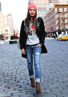 Street style...but no one from NYC would actually wear a I ♥ NY shirts..