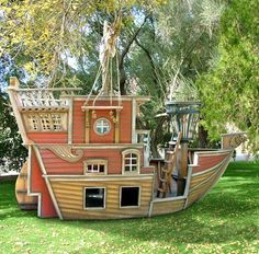 A pirate ship in the back yard-so fun!! Arrggh!