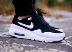 Nike Air Max 1 Ultra Moire Black White aux pieds