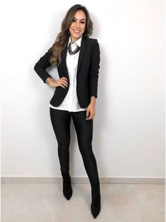 women's fashion over 50 aging gracefully Business Casual Outfits For Women, Casual Work Outfits, Work Attire, Chic Outfits, Fall Outfits, Fashion Outfits, Womens Fashion, Semi Formal Outfits For Women, Work Casual