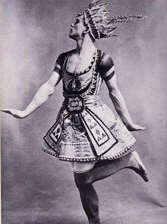 Vaslav Nijinsky in Le dieu bleu, 1912