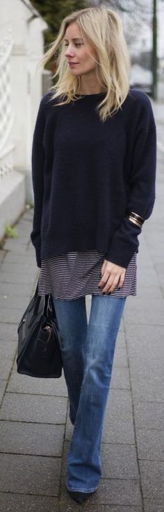 Flared Jeans Casual Outfit