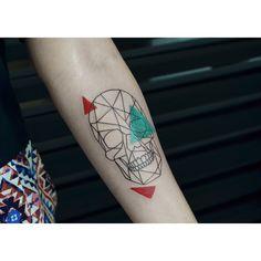 #skull#geometrictattoo#mysketch#tattooartist#inked#ink#color#cassiomagne#laputamadretattooshop
