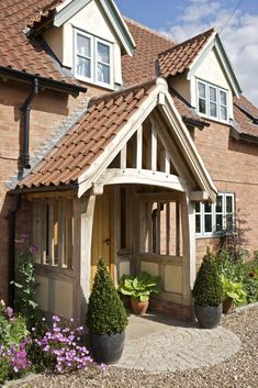 64 Ideas for front door porch extension border oak Cottage Porch, Cottage Style, House With Porch, House Front, Building A Porch, Building A House, Porch Extension, Extension Ideas, Border Oak