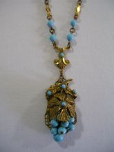 Art Deco Blue Czech Glass Gold Toned Filigree Metal Necklace Collectible