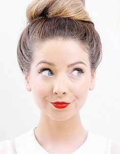 Designer Clothes, Shoes & Bags for Women Zoella Hair, Zoella Beauty, Zoella Style, Zoe Sugg, Cut Her Hair, Girl Online, Celebs, Celebrities, Youtubers