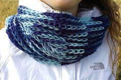 Foulard infini bleu par GTricots sur Etsy