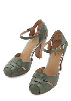 Get Loud Heel in Sage. Youre ready to boogie to live music at todays outdoor concert, and these green heels from Seychelles are your go-to dancing shoes! #green #modcloth