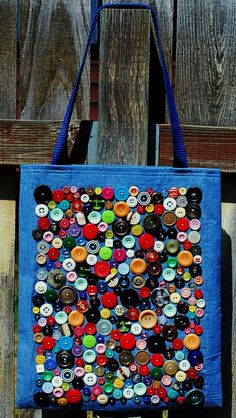 Items similar to the vintage button tote on etsy- Ähnliche Artikel wie Die Vintage-Taste-Tote auf Etsy Items similar to the vintage button tote on etsy - Button Art, Button Crafts, Artisanats Denim, Blue Jean Purses, Tote Bags Handmade, Denim Crafts, Patchwork Bags, Fabric Bags, Vintage Buttons