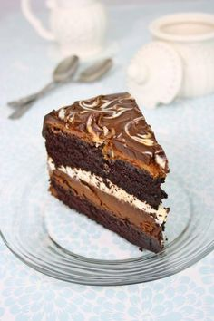 Tuxedo cake, Costco style, with 2 layers of chocolate ganache cream. The best chocolate cake I've ever had! (In Romanian and English)(Best Chocolate Ganache) Best Chocolate Cake, Chocolate Desserts, Chocolate Ganache, Chocolate Tuxedo Cake Recipe, Tuxedo Cheesecake Recipe, White Chocolate, English Chocolate, Sweet Recipes, Cake Recipes