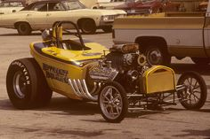 """The """"Different Drummer"""" fuel altered roadster at Green Valley Raceway, Texas on 4 April 1976."""