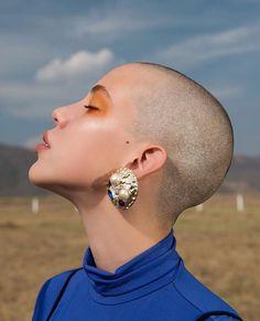 I want to shave my head so bad god i hate my useless elephant ears Short Hair Cuts, Short Hair Styles, Shave My Head, Bald Girl, Bald Women, Bald Heads, Shaved Hair, Shaved Head Girl, Shaved Head Women