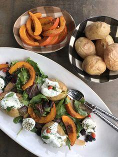 Fall platter – peatiness with the colors of vitality - Chef's Handyman - Food Magazine Vegan Vegetarian, Vegetarian Recipes, Teller, Plant Based Recipes, Platter, Bunt, Stuffed Mushrooms, Pumpkin, Dishes