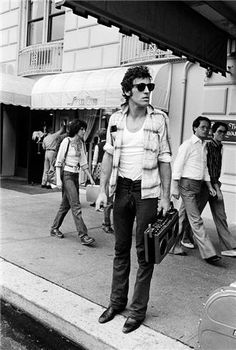 bruce springsteen + boombox, 1978.