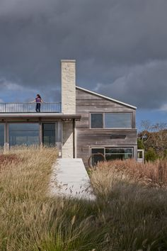 Up-Over-Between House > Hutker Architects — Martha's Vineyard, Cape Cod and Nantucket