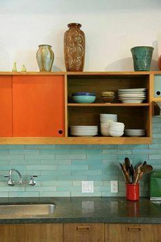 wandfliesen küche akzent farben dekoartikel