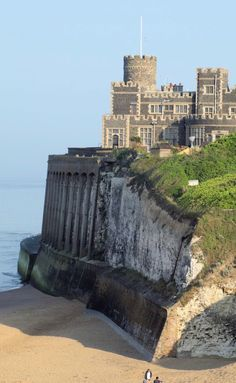 Kingsgate Castle in Broadstairs, Kent, England. Built for Lord Holland, Baron Holland, in the The castle has now been converted into apartments. Beautiful Castles, Beautiful Buildings, Beautiful Places, Places To Travel, Places To See, English Castles, Castle In The Sky, Voyage Europe, Medieval Castle