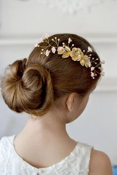 Wedding comb peach floral hair vine ivory gold Comb wedding hair dress little flowers head piece crystal vine hair Ready to ship This is delicate hair comb combines fabric flowers, ivory crystal, rhinestones and cream pearls. Ready to ship All the branches are movable and you can form the composition. This is a wonderful decoration to the hairstyle of the bride, bridesmaid or a little Princess.  materials:  - metal flower - fabric flowers - pearls - crystals - wire gold - metal comb - love…