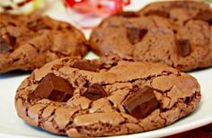 Exquisite and easy chocolate cookies :) Chocolate Cookie Recipes, Chocolate Chip Cookies, Chocolate Chocolate, No Bake Cookies, Yummy Cookies, Cake Pops, Cookie Do, Sweet Pastries, Cookies Ingredients