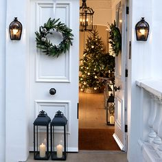 White spaces: our founder, Chrissie, styles Christmas - The White Company Journal Join our founder behind the scenes of her shoot with Homes & Gardens as she shows you how to create the perfect white Christmas at home, effortlessly. White Christmas Ornaments, Decoration Christmas, Noel Christmas, Christmas Fashion, All Things Christmas, Holiday Decor, Xmas, Modern Christmas Decor, Christmas Music