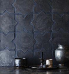 Belgian reproduction flemish black terracotta star + cross (bundle) - Top Of The World Beton Design, Tile Design, Black Tiles, Black Floor, Bathroom Styling, Bathroom Flooring, Kitchen Flooring, Bathroom Interior, Bathroom Ideas