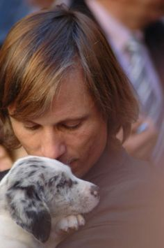 Viggo Mortensen and a puppy...whuuuuuuuuuuuuuuuuut?