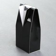 x cajitas para boda con forma de vestido de boda y frac para regalos