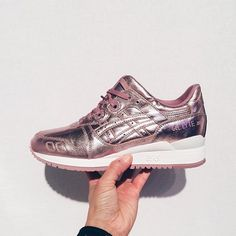 The exclusive women's ASICS GEL-LYTE III Coloured Metallics Pack are available online & in stores #approved #ASICS #GELLYTE  @juicegee