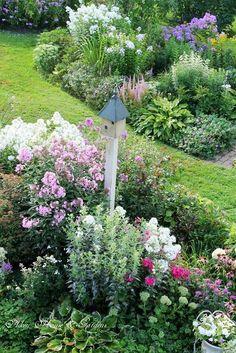 english garden Charming garden by Aiken House amp; Dream Garden, Garden Art, Garden Design, Garden Beds, Cacti Garden, Lush Garden, Flowers Garden, Summer Garden, Garden Cottage
