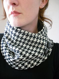 Neck Warmer in Black and WHite Houndstooth with Black Buttons