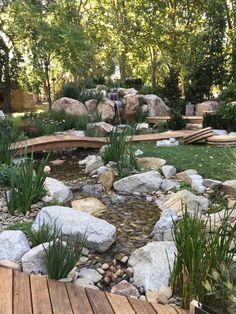 Backyard Water Feature, Ponds Backyard, Home Garden Design, Garden Landscape Design, Garden Crafts, Garden Art, Alpine Garden, Pond Waterfall, Pond Landscaping