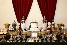 Old Hollywood Glam Party from Chic Style Events You are in the right place about decoration table bo Old Hollywood Party, Hollywood Birthday Parties, 40th Birthday Parties, Vintage Hollywood, Birthday Ideas, Birthday Bbq, Hollywood Wedding, Hollywood Style, Hollywood Glamour