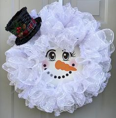 Snowman Deco Mesh Wreath, Christmas Wreath, Red and White Wreath, Top Hat - Christmas Decor - Holiday Decor Santa Wreath, Christmas Mesh Wreaths, Snowman Wreath, Diy Wreath, Snowman Tree, Tulle Wreath, Winter Wreaths, Wreath Ideas, Fabric Wreath