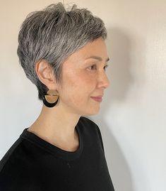 Short Grey Hair, Short Hair Styles, Pelo Pixie, Silver Grey Hair, Haircut For Thick Hair, Going Gray, Aging Gracefully, Pixie Cut, New Hair