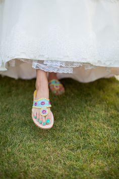 Southern Weddings - southern-spotting-beachy-bridal-sandals- esmalte neon em conjunto com rasteirinha Dream Wedding, Wedding Day, Wedding Dress, Wedding Things, Wedding Bells, Bridal Sandals, Sandals Wedding, Bridal Shoe, Southern Wedding Inspiration