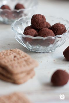 Gifts from the kitchen: Spekulatius truffles – on holidays … … – About Sweets Sweet Trees, Tasty, Yummy Food, Vegan Christmas, Chocolate Lovers, Diy Food, The Best, Sweet Tooth, Bakery