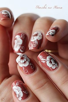 Nice brown nails with one stroke flowers