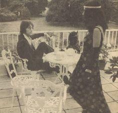 Lennon & Yoko with our garden furniture in aluminium
