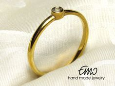 Natural White Topaz 2mm 14K Gold Ring Solitaire Ring by Emostudio